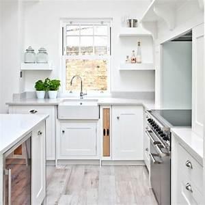 Küche Praktisch Einräumen : so sieht die perfekte wei e k cheneinrichtung aus ~ Markanthonyermac.com Haus und Dekorationen