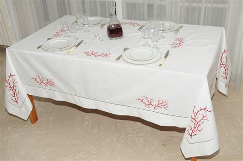 nappe de table brodee nappe brodee 28 images nappe ronde noel blanc bougie brod 233 e 1m80 anti tache infroissable