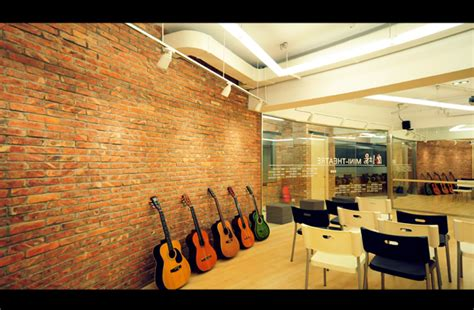 utilization  corridors  youth art space   methodist church  tuen mun barrie hos