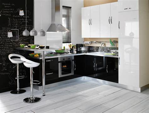 cuisine noir et grise cuisine aménagée noir et blanc