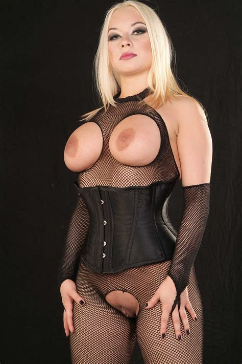 Profile: No Limit Mistress Ingrid Frost ! - theDominationWeb