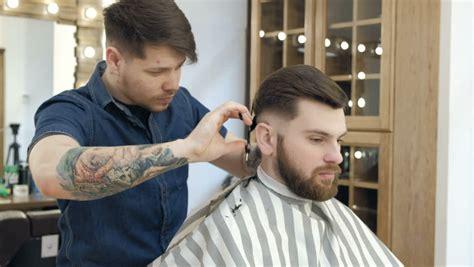 7 Gaya Rambut Pria 2017 Yang Paling Populer. Suka Yang Mana?