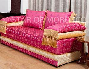 Moroccan sofa moroccan modern living rooms for Moroccan sofa bed