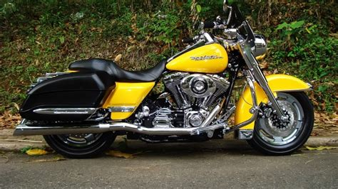 Harley Davidson Road King Yellow Hd Wallpaper