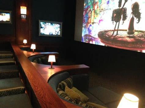 Cinetopia Living Room Theater Vancouver by Full 360 View Of Movie Parlor As Good As It Gets