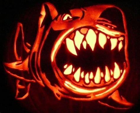 best pumpkin carving ideas for halloween 25
