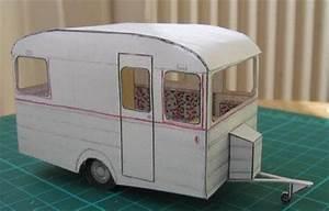 Fabriquer Mini Caravane : camp inn trailer free paper model with interior paper craft and paper toys paper models ~ Melissatoandfro.com Idées de Décoration