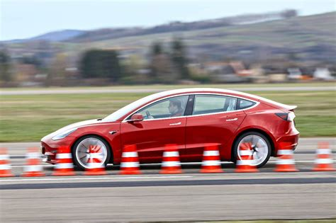 23+ Kona Vs Tesla 3 Gif