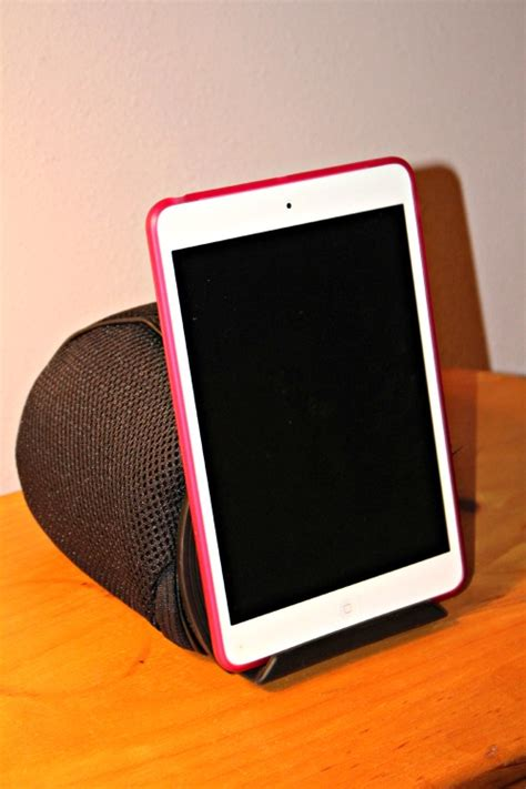 Make Your Tablet Hands-Free with iProp by Dockem - The Experimental Mommy