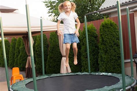 tappeti elastici per bambini tappeti elastici per bambini appello di una mamma