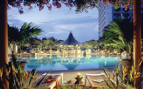Swissotel The Stamford Hotel Review, Singapore Travel
