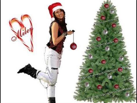 miley cyrus rockin around the christmas tree lyrics