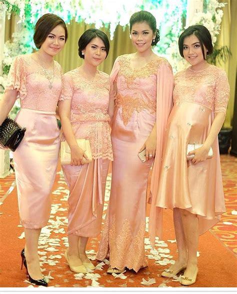 elegan   seragam bridesmaids terbaik  bisa ditiru