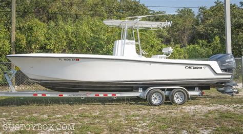 Contender Boats Islamorada by 2002 Contender 25 Open 25t Sold