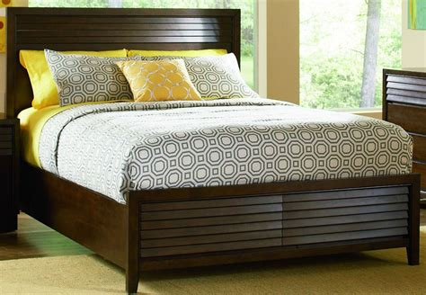 Audrey Mahogany Platform Bedroom Set  Bedroom Sets