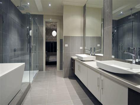 Modernes Bad Grau by Modern Bathroom Design With Freestanding Bath Using