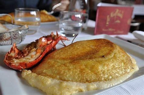 spécialité normande cuisine normandy l omelette soufflée de la mère poulard est une