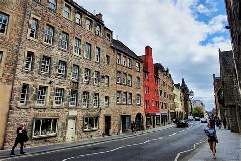 Historic Edinburgh Old Town tenement restored to former ...