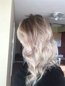 Ombre Hair Blond Polaire : 25 best ideas about platinum blonde ombre on pinterest silver blonde hair balayage hair ~ Nature-et-papiers.com Idées de Décoration