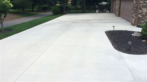 how much does a concrete driveway cost angies list