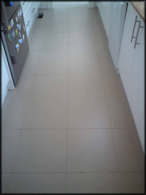 Regrouting Floor Tiles Tips by How To Regrout Bathroom Tile Floor Wood Floors
