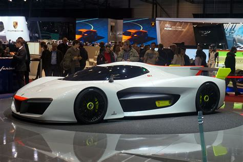 Geneva International Motor Show 2016 (in Photos)