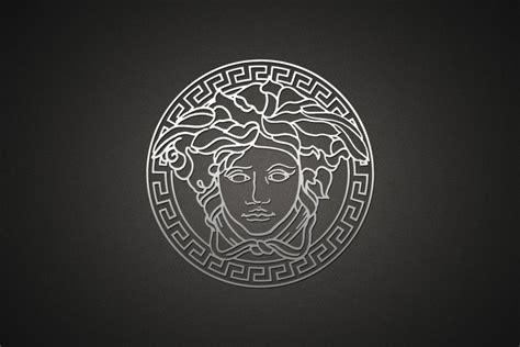 Gucci Logo Wallpaper ·①