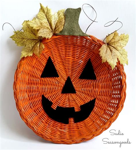extra easy diy halloween decorations  whip    pinch