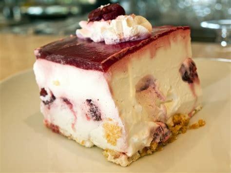 cherry cake  cinnamon ukrainian recipes