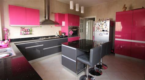 cuisine fushia maison espace maison et espace fabrique des cuisines