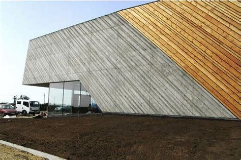 Beton Holz Fassade by Concrete And Wood Facade Hof Mix