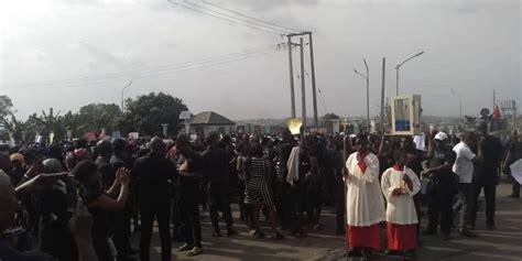 Catholic faithfuls in Anambra stage protest against ...