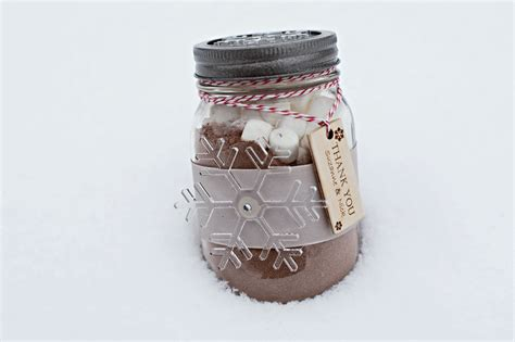 Winter Wedding Favors That Wont Be Left Behind From