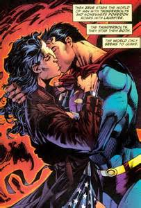 Wonder Woman Superman Kiss