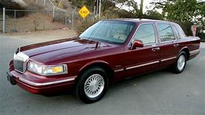 1997 Lincoln Town Car   1 Owner  83k Orig Miles Car Guy A