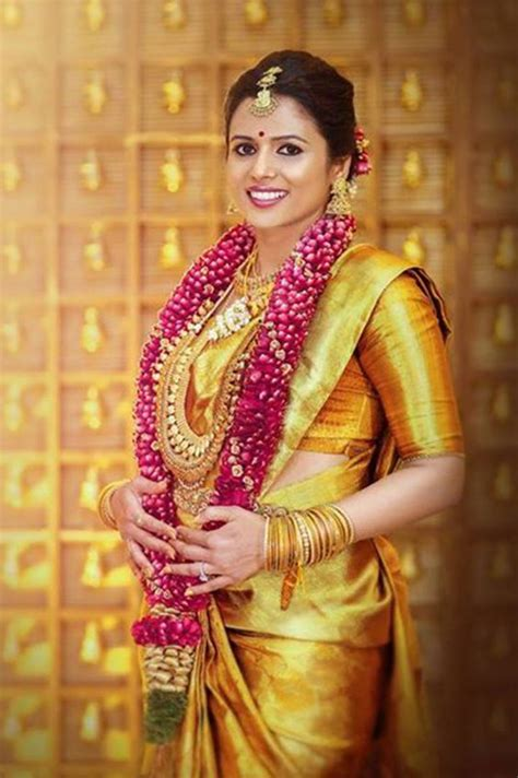 beautiful south indian bridal  style photography poses welcomenri