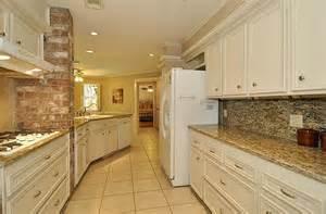 Kitchen Backsplash Ideas With Santa Cecilia Granite Santa Cecilia Granite For Home Improvement Application Homestylediary