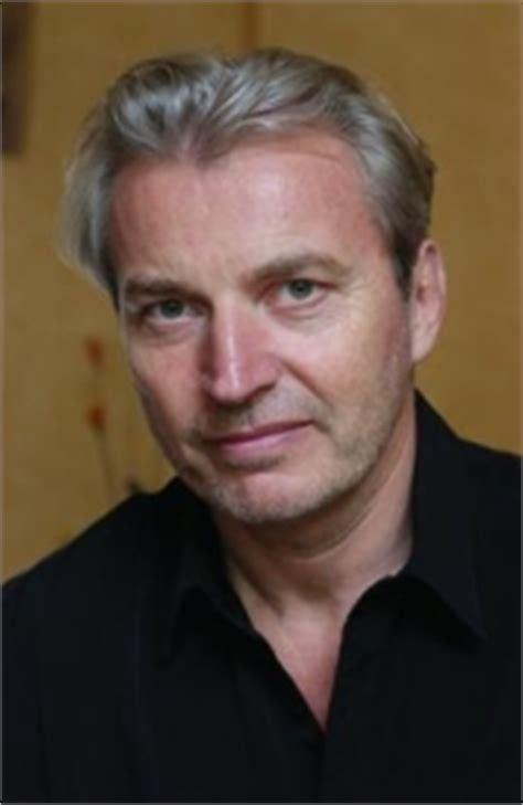 Wie viele seiner kollegen sieht auch er die ursache für überbehütung bei den eltern. Bücher von Michael Winterhoff bei bücher.de kaufen