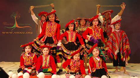 Andean influences can perhaps be best heard in wind instruments and the shape of the melodies, while the african influences can be heard in the rhythm and percussion instruments. FELÍZ 28 DE JULIO: CXCV ANIVERSARIO PATRIO   Embajada del Perú en Guatemala