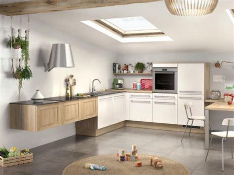 hotte de cuisine suspendue ces hottes de cuisine qui se fondent dans le décor