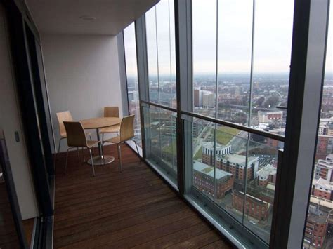 1 Bedroom Manchester by 1 Bedroom Apartment To Rent In Beetham Tower Deansgate