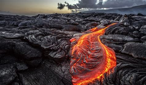 how is lava formed what are the differences between magma and lava