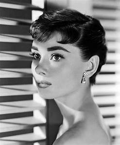 Audrey Hepburn Poster : find the best audrey hepburn poster prints for decorating your home ~ Eleganceandgraceweddings.com Haus und Dekorationen