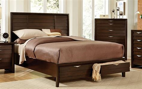 home elegance arezzo queen platform bed  footboard