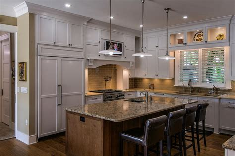 transitional kitchen designs photo gallery transitional kitchen with crisp white cabinets hgtv 8582