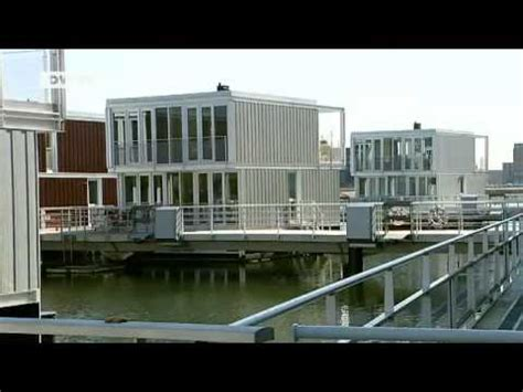wohnen auf dem wasser schwimmende haeuser  amsterdam