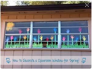Blumen Basteln Fensterdeko : bild fenster dekoration deko fr hling klassenzimmer blumenwiese blumen wiese mit h nden ~ Markanthonyermac.com Haus und Dekorationen