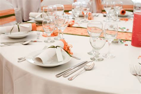 abwaschbare tischdecken praktische stoffe fuer die tafel