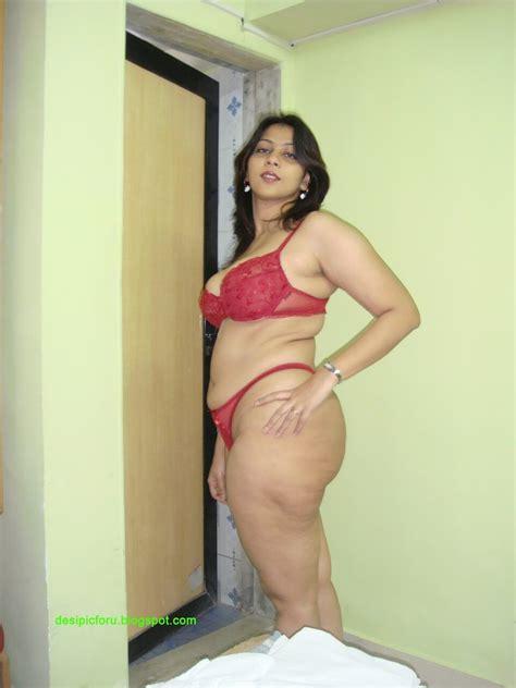 Aunty Red Bra Panty Naked Photo 13