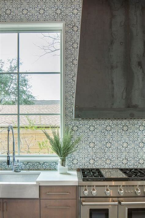 walker zanger duquesa fatima mezzanotte tiles design ideas